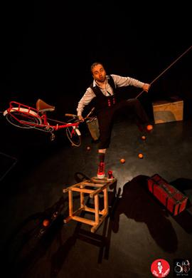YES LAND… uno spettacolo di circo inondato dal clown!